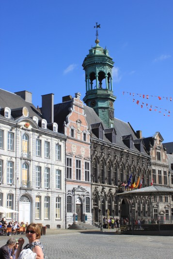 Grote Markt van Mons